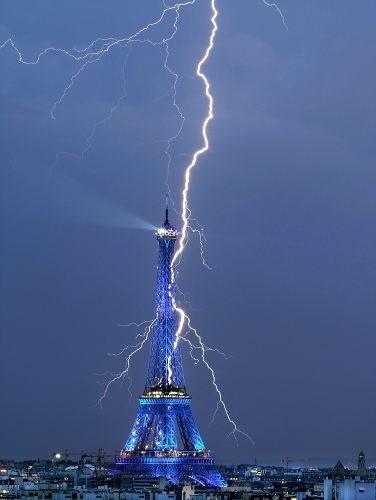 美国上空壮美闪电图片