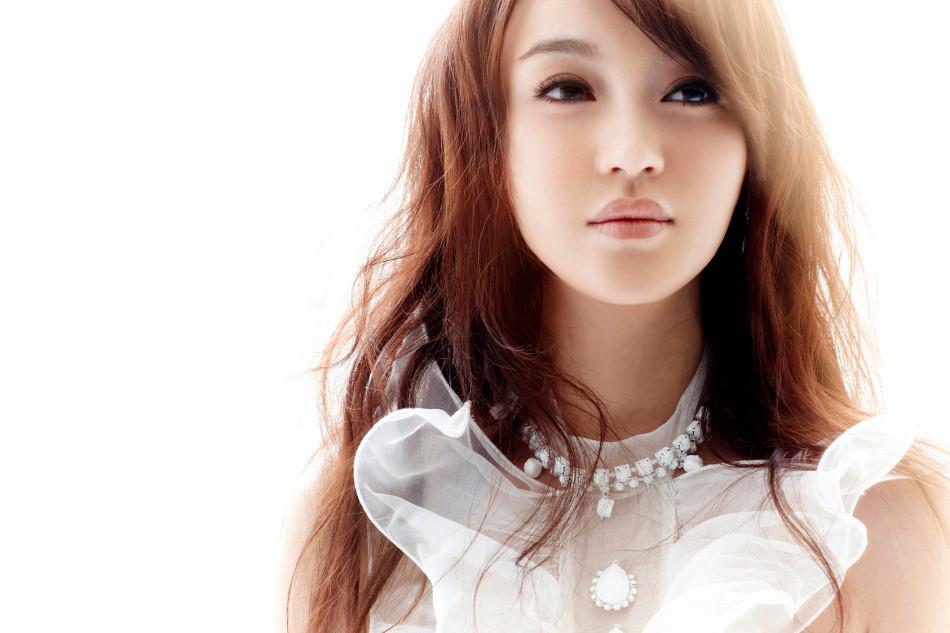 歌手赵晨妍因演唱微电影《灵魂中转站》主题曲《牵牛花》受到乐迷关注