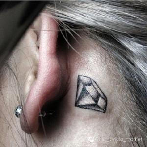 那些藏在耳后的小惊艳纹身