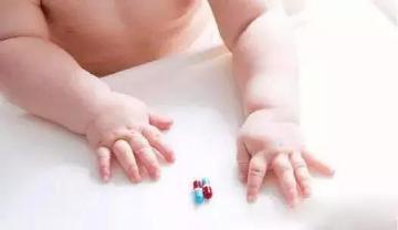 """孩子发烧,妈妈这5种做法是""""帮倒忙""""!"""