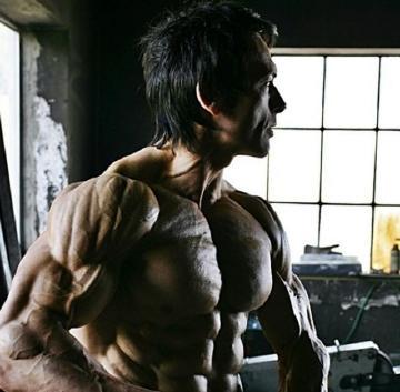 体脂全世界第一低的搬砖工,一身条块状肌肉如同干尸人