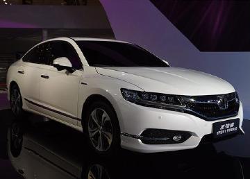 广州车展带来新能源改革,0.9L油耗?3款中外品牌车型大比拼