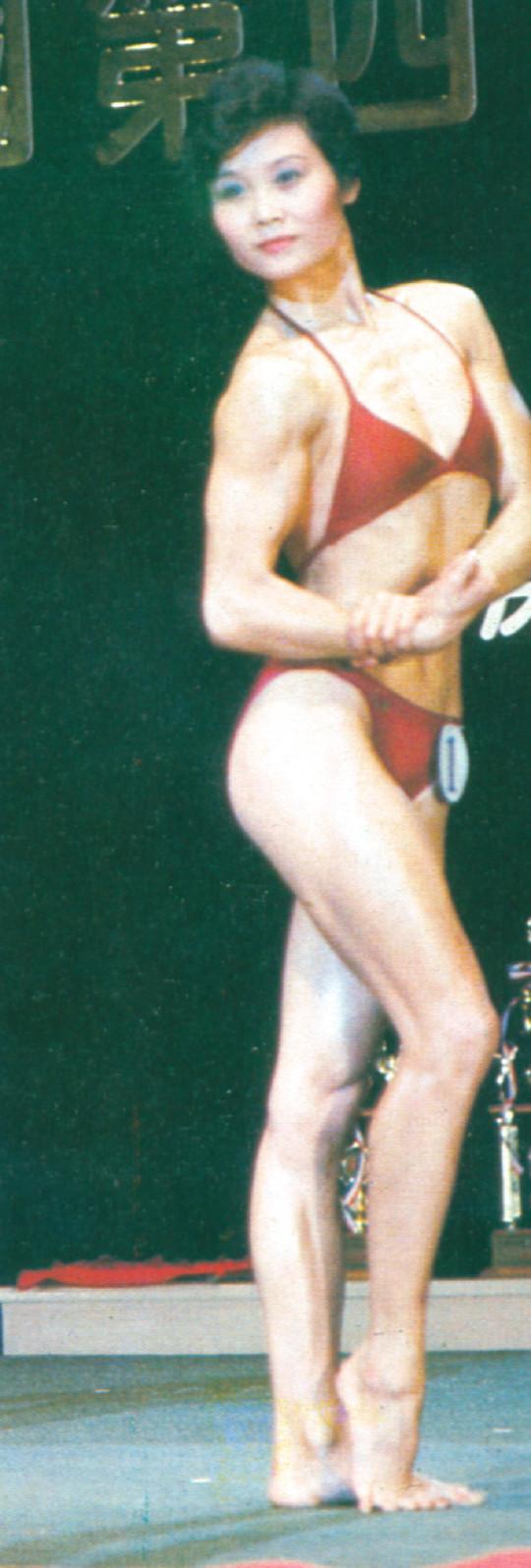 女子健美张萍_30年前国内上演首场女子健美比赛 观众像开洋荤_健美_新浪竞技 ...