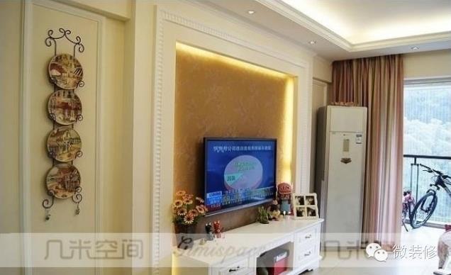 木工做欧式隐形门电视背景墙