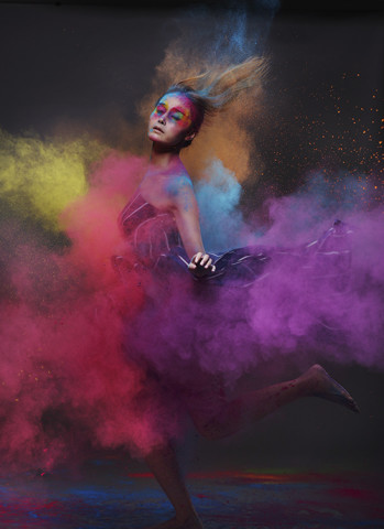 【场记】时尚摄影师怎样用中画幅数码相机拍彩粉人像