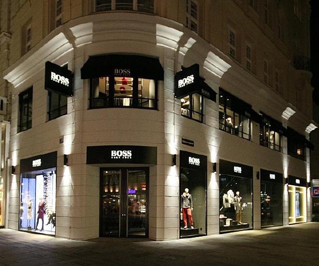 设计图分享 香奈尔品牌橱窗设计图  鞋店橱窗设计图 鞋店橱窗门头效果