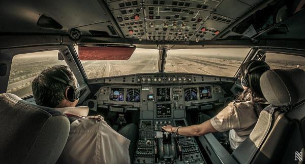 从飞机驾驶舱里看世界,酷到没朋友的照片(2014-11/22)