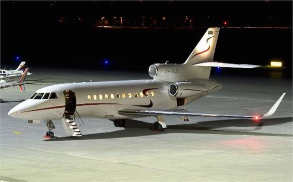 全球八大私人飞机排行 中国成龙有一架