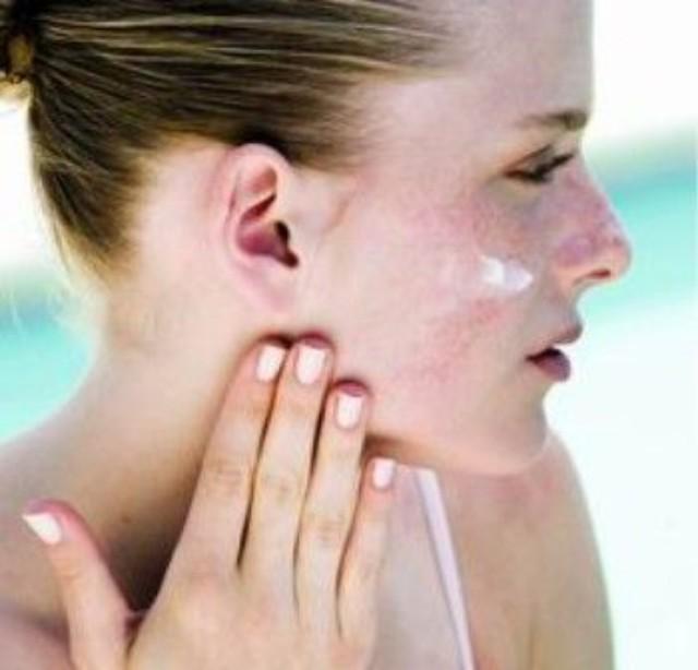 过敏是针对体质而言,是人体对外界物质,如花粉,海鲜及某些药物等,产生