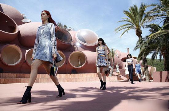 Dior2016早春,在泡泡宫里玩格子-YOKA服饰美