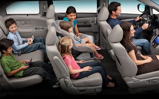 安全座椅放在哪个位置最安全?