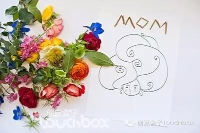14)鲜花拼贴画   用这个季节最绚烂的鲜花,给妈妈做一幅漂亮的拼