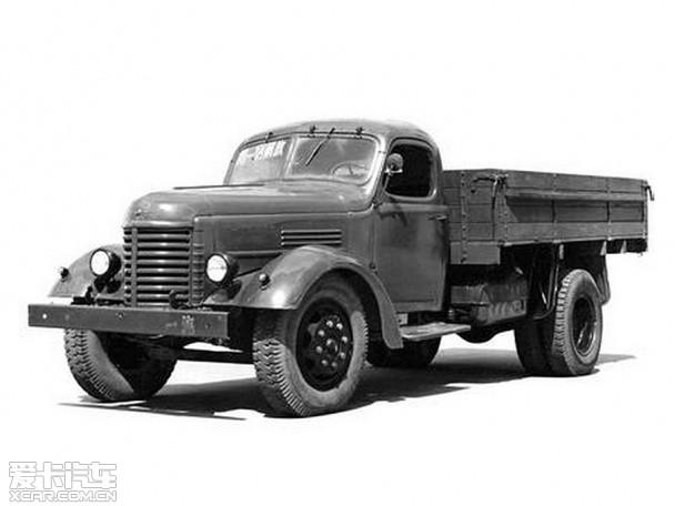 虽然解放牌汽车有着结构坚固且使用寿命长的优点,但是从1956年7月1