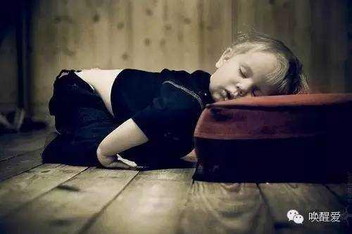 怎么样才能晚睡早起不犯困~~没黑眼圈……另外,对于容易失眠的人来说