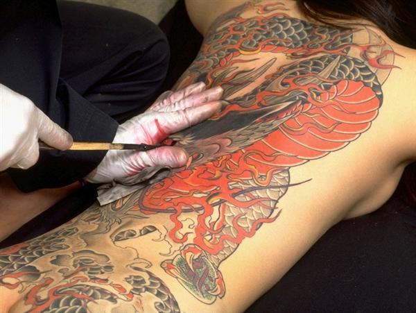 会女老大艳丽luo体纹身全过程 坏女人日记