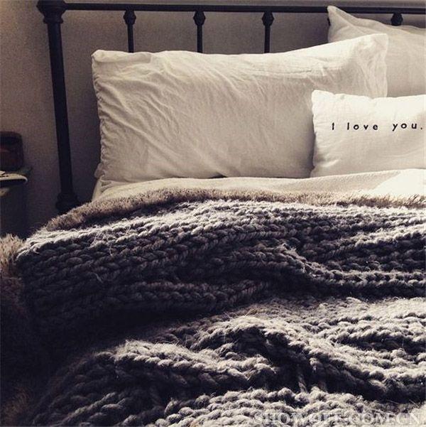 珊瑚绒线编织毛毯