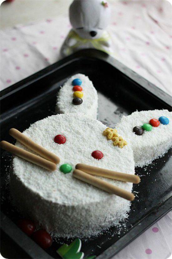 这次,好朋友的女儿要过生日委托俺做蛋糕.给孩子的礼物.