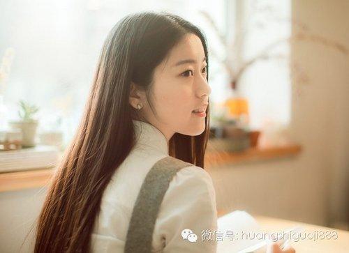 显女生气质美的 超浪漫气质长发发型