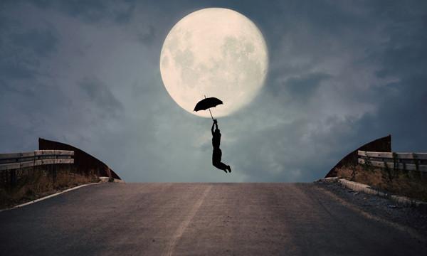 美女月亮高清图片