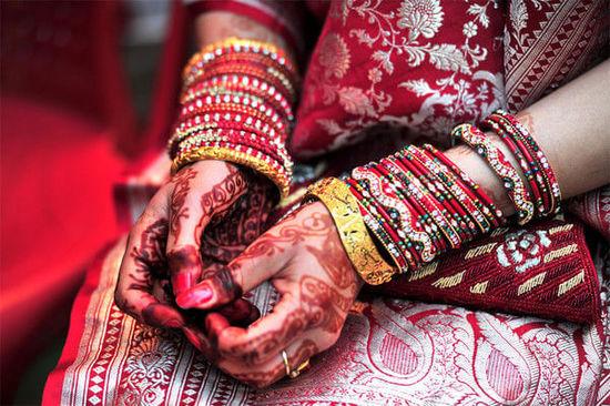 mehandi;英文也可叫henna 或henna art,中文有叫印度手绘,印度纹彩