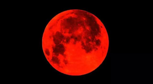 2015年红月亮图片