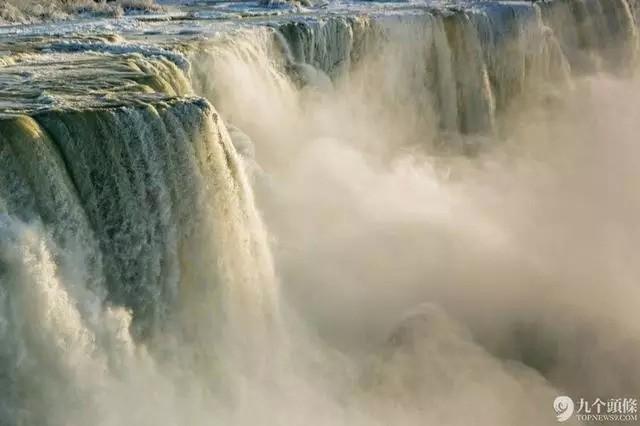 4.尼亚加拉大瀑布   近看挺壮观的。
