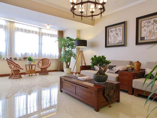二楼的琴房摆着古筝,充满东方韵味的居室常常聆听到悠扬的琴声.