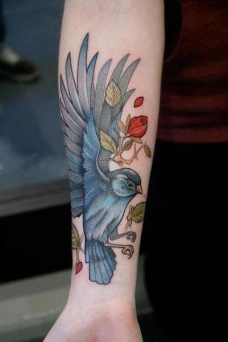 我要把纹身纹在锁骨上 背上 胸上 屁股上 腿上图片