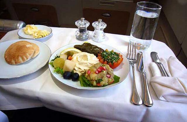 【舌尖】世界各家航空公司飞机餐,为了揽客都是蛮拼的!