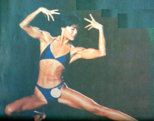30年前国内上演首场女子健美比赛 观众看比基尼选手像开洋荤